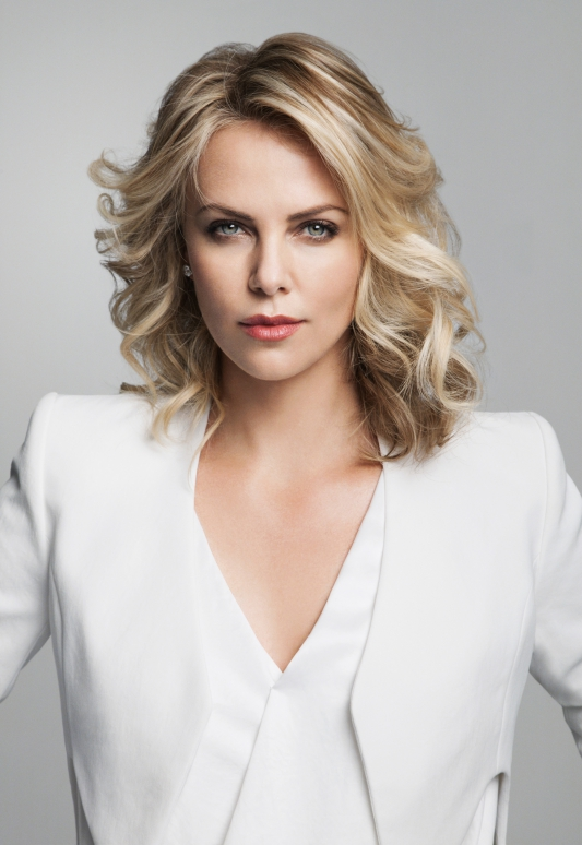 images/famous/charlize-theron-main.jpg